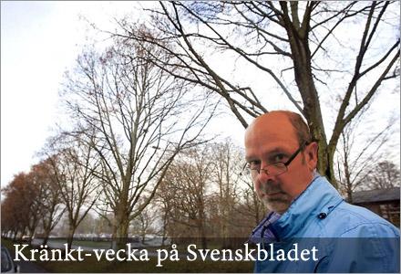 Ingvar vid den världskända Björkallén i Bygdeträsk.