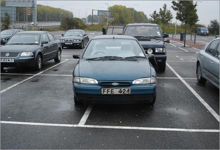 Det är känt att kvinnor har svårt att lära sig parkera ordentligt.
