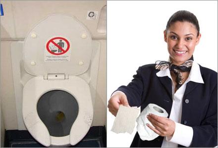 Flygvärdinnor kommer numera att följa med passageraren in på toaletten.
