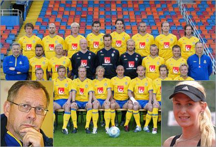 Svenska landslaget med tränare, är dem egentligen en bunt kärringar?
