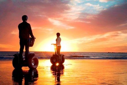 Romantiska fotografier med segway i solnedgången är det nya svarta.