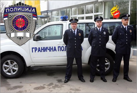 Gojnik, Dragan och Slobodan blir de första Serbiska poliserna i Sverige.