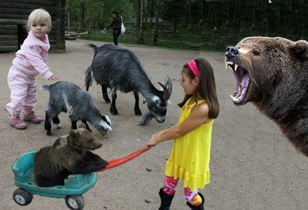 Nu är det inte bara på Lill-Skansen som man kan leka med djuren.