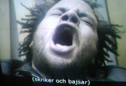 """Ken Ring i ett dramatiskt ögonblick i filmen """"Blodsbröder"""""""
