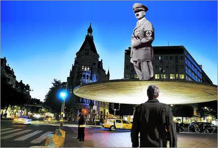 Hitlerstatyn var reklam för filmen Der Untergang II