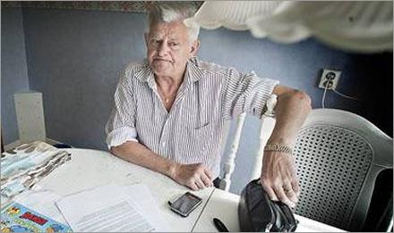 Albin Sjöström 72, i Hudiksvall är upprörd över sin låga telefonräkning.