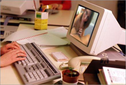 De flesta sitter bara och space:ar ut vid sin dator hela dagen.