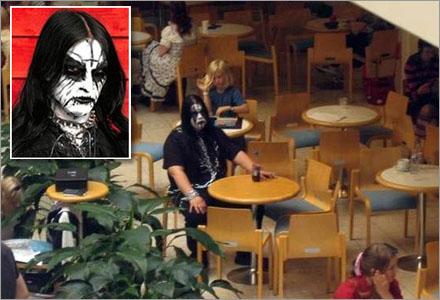 Peb (Stig-Örjan Svensson) äter oftast ensam i Hembyskolans matsal.