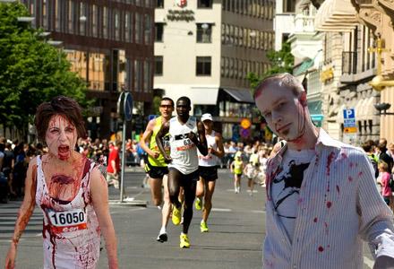 Zombier och 50-taggare sprang i lördags Marathon genom Stockholms gator.